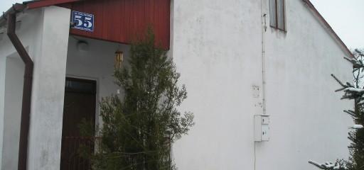 Działka 1182mkw zabudowana domem 89mkw i bud. gospodarczymi, Bronisławów